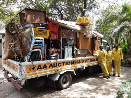 AA-Auctions-and-Sales-Collection-team-loaded-up